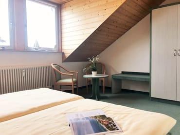 kleine Leseecke im 1. Schlafzimmer (im OG)