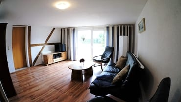 Wohnzimmer mit Terasse