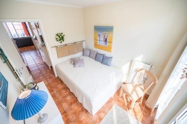 Schlafzimmer Französisches Bett 1
