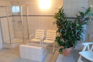 Im Souterrain der Villa Glückspilz können Hausgäste gegen Entgelt einen Wellnessbereich mit Sauna nutzen.