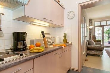 Hier der Blick in die Küche.