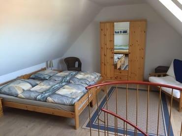 Doppelbett im Studio im Obergeschoss