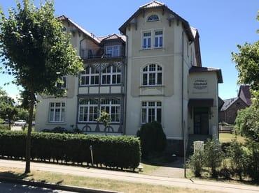 Villa Glückauf Wohnung 1 ist Mitte/rechts im Hochparterre