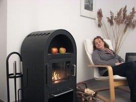 Kuschel-Kamin: Schöne Stunden besonders im Winter. Holz können Sie von bekommen.