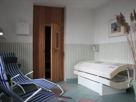 Die Sauna mit Solarium im DÜNENHAUS können Sie individuell buchen.