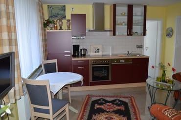Küchenzeile im kombinierten Wohn-/Esszimmer
