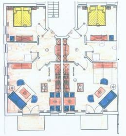 Grundriss: es handelt sich um die rechte Wohnung