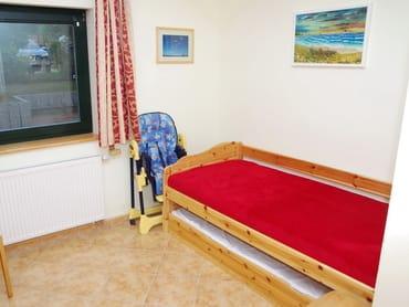 Kinderschlafzimmer mit Verdunklungsvorhängen