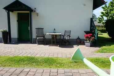 separater Eingang, Sitzecke mit Grillmöglichkeit