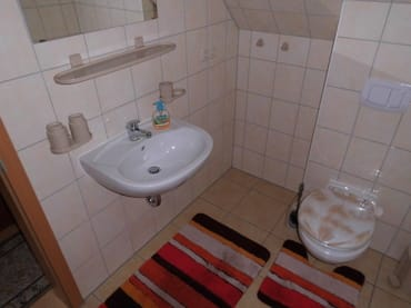 WC und Waschplatz