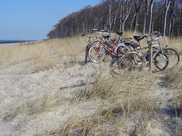 Mit dem Fahrrad ist man in wenigen Minuten an einsamen Strandabschnitten