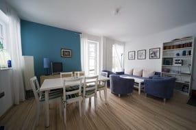 Wohnen mit Essbereich , Kaminofen, Sat-TV, Stereoanlage, Internetzugang, Büchern, Laminatboden, teilweise Fenstertüren