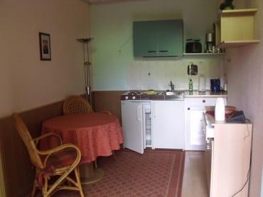 Wohnraum mit pantryküche