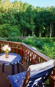 Balkon mit Waldblick