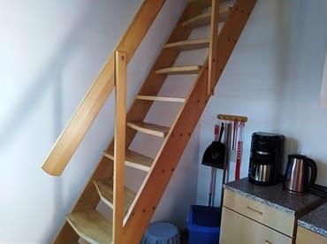 Treppe zu den Schlafräumen