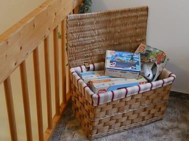 Die Spielecke für die kleinen Gäste (auf der Galerie) lässt hoffentlich keine Langeweile aufkommen.