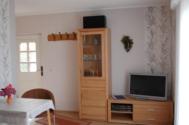 TV und Eingangsbereich