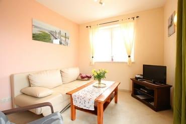 Wohnzimmer mit Fernsehgerät