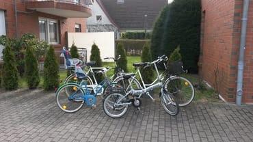 Außenbereich mit Fahrrädern