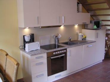 hochwertiger Küchenbereich mit Geschirrspühler