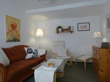 Wohnzimmer mit modernem Flachbildschirm
