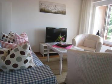 Wohnen mit Blick in Richtung Loggia & Balkon/Terrasse