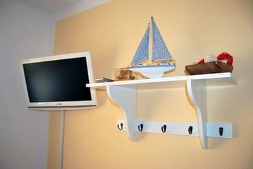 Kinderzimmer mit TV und DVD