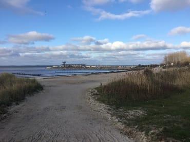Glowe Strand - mit Blick zum Yachthafen