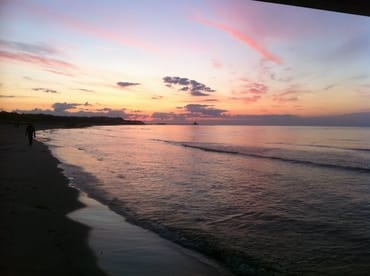 am Abend den Sonnenuntergang genießen