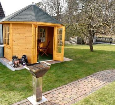 Gartenpavillon zur Ferienwohnung