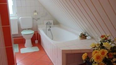 FeWo I - Bad mit Wannenbad und Dusche