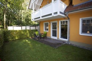 Haus Rückseite mit Terrasse