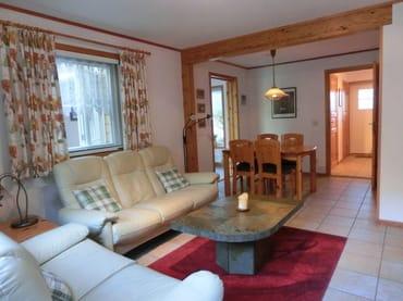 Wohnzimmer und Essecke Ferienhaus Tabea