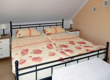 Schlafzimmer / Doppelbett (Liegefläche: 190cm x 200cm)