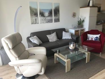 Unsere neuen Sitzmöbel, Fernsehsessel und Sofa, alles ausgestattet mit besonderem Komfort.