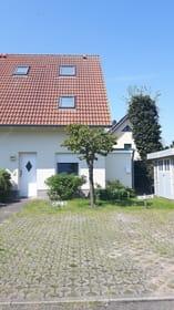 Hauseingang/Stellplatz/Fahrradschuppen