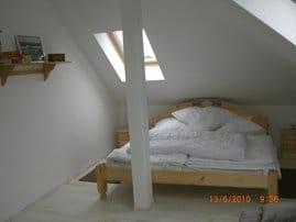 ..Privatsphäre findet man im Obergeschoss,in den zwei Schlafzimmern mit Doppelbett und Schlafcouch...