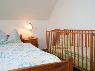 Geräumiges Schlafzimmer - auch mit kleinen Kindern