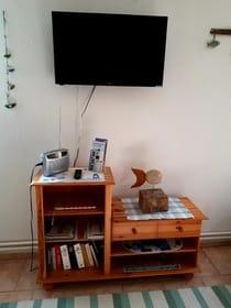 Tv/Radio und Bücherecke