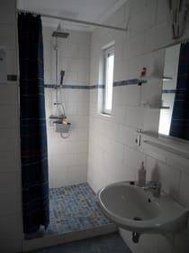 Bad mit Seniorengerechter Dusche