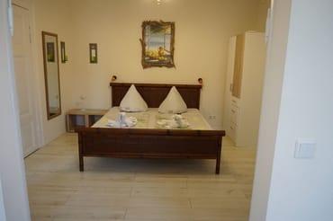 modernes Doppelbett 1,80m
