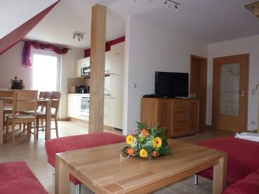 Wohnzimmer und Essbereich