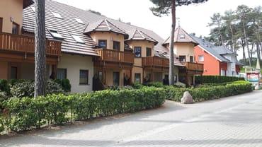 Ferienhaus mit FeWo und Terasse, Blick zur Strandstr.