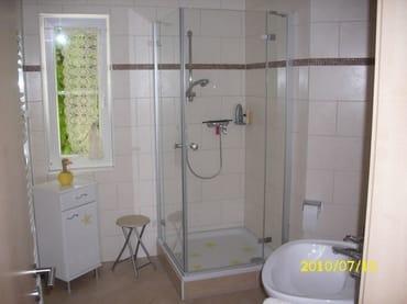 Dusche mit Echtglas, Einbauradio
