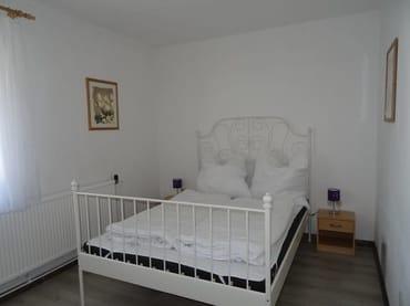Schlafzimmer/Doppelbett