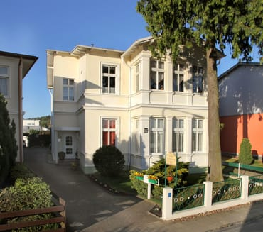 Unser Haus Bergstraße 15 mit Ferienwohnung im EG