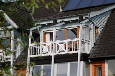 Unser Balkon mit neuen Teakmöbeln