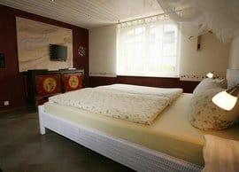 """Ferienhaus""""Bernstein"""" erstes Schlafzimmer"""