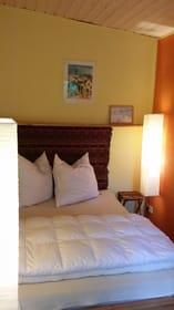 gemütliches Schlafzimmer mit franz. Bett