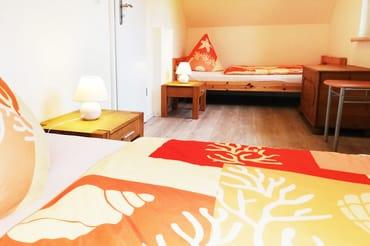 Schlafzimmer mit2 Einzelbetten